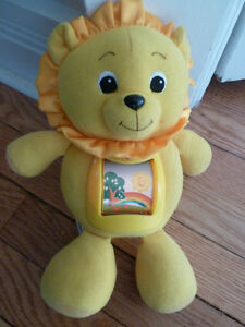 Leap Frog Roll & Rhyme Learning Lion