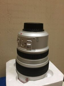 Canon 16x xl 5.5 88mm IS.    $200