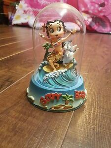 Various Betty Boop items