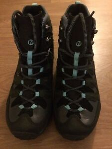 Hiking boots and shoes - women's 8.5 - never worn Kitchener / Waterloo Kitchener Area image 8