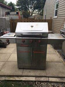 Selling Centro stainless Steel natural gas BBQ 100.00$