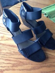 Cute Wedge Sandals, Sam and Libby, great condition, size 9,$8 Kitchener / Waterloo Kitchener Area image 2