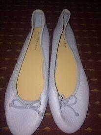 Women blue flat shoe