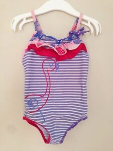 Swimming suit, size 3-5Y