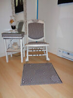 SMALL ROCKER AND SIDE TABLE AND MAT