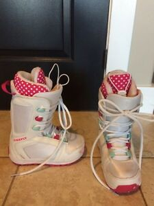 Snowboard boots size 1 girls