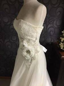 Ivory 10 - 12 Bridal Wedding Debutante Gown New without Tags Macclesfield Mount Barker Area Preview