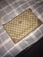 Gucci pouch (louis vuitton,givenchy,burberry)