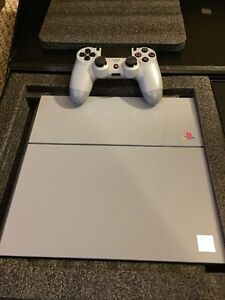 PS4 Extremely rare anniversary edition