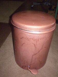 Vintage Metal Popup Garbage Can $10.00