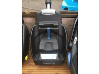 Maxicosi Isofix (cabriofix) base and pebble car seat for sale