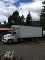 2002 Kenworth T-300 Reefer Truck