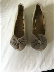 Size 3 shoes ex cond