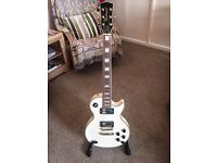 Les Paul Electric Guitar, Amp, Effects pedal and Accessories