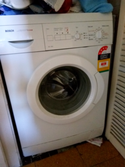 Reliable 5.5kg Bosch Washing Machine (Cold wash ONLY)
