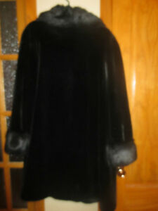 Women Black Mink Fur Coat Size XL