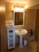1 Room for Rent Country Hills NW - Close to Airport, Transit