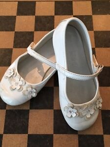 Dress shoes size 8 toddler