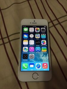 White silver iPhone 5S 16 gb brand new condition
