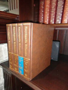 4 Encyclopedia Britannica Books In Great Shape $4.00/All Kitchener / Waterloo Kitchener Area image 2