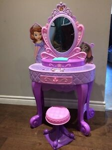 Sophia The 1st Makeup Vanity