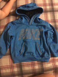 Different toddler sweaters  Kitchener / Waterloo Kitchener Area image 3