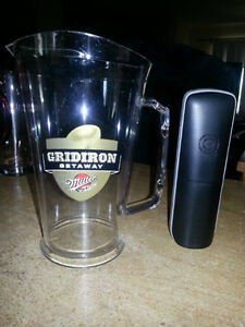 BRAND NEW MGD GRIDIRON MINI BEER PITCHERS.  MINT!!!!!!!!!! London Ontario image 1