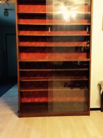 3 Display cabinets with glass