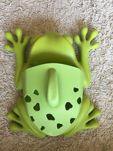 Boon frog bath scoop