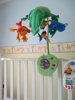 Mobile Musical Rainforest - Fisher Price- CHOMEDEY