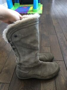Ladies size 10 north face winter boots