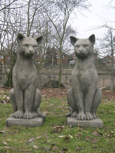 CLASSIC PAIR of CATS GARDEN STATUE ORNAMENT