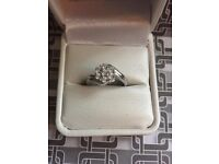 STUNNING 7 DIAMOND CLUSTER RING IN STERLING SILVER. ONLY £60.