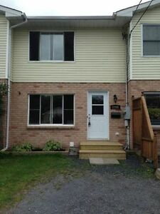 Beautiful 2 bedroom townhouse for rent March 1