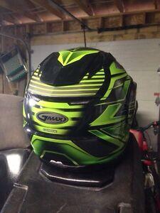XL Gmax snowmobile helmet