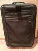 SUIT CASE/CARRY-ON/GARMENT BAG