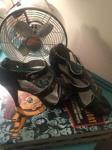 8 pairs of shoes.  Strathcona County Edmonton Area image 8