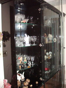 4 pc china cabinet/display cabinet