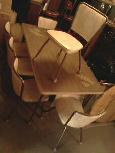 WOOD DINING TABLE+3CHAIRS & 60 & 70's STYLE KITCHEN TABLE/CHAIRS Cornwall Ontario image 2