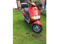 PIAGGO SFERA 50 MOPED, VERY LOW MILEAGE , 0 OWNERS, DELIVERY BIKE BACKBOX