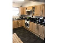 2 BEDROOMS HOUSE WITH GARDEN IN CHINGFORD