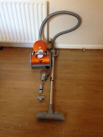 Bagless Vacuum Cleaner with tools