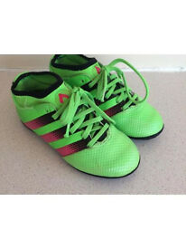 Adidas children's trainers size 11