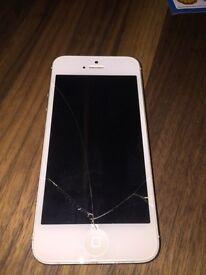 IPhone 5 128gb - cracked screen