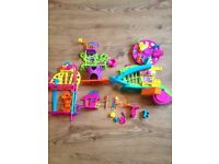 Polly pocket wall party the mall and tree house