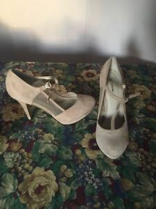 High heel shoes  in an excellent condition. Size 10
