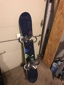 Women's snowboard with bindings (Ride/Burton)