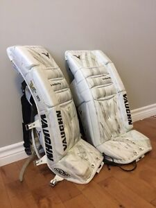 Youth Goalie Equipment Belleville Belleville Area image 2