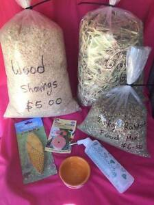 ♦♦♦ Rabbit Hutch + Free Starter Accessory Pack ♦♦♦ Londonderry Penrith Area Preview