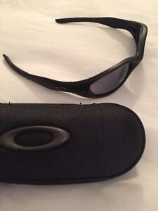 "Women's Oakley's Sunglasses  ""Minute 2.0 """